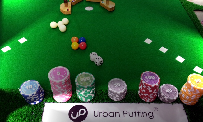 La table innovante du jeu Urban Putting
